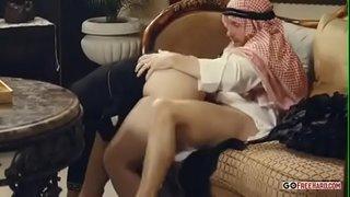 نجمة الاباحية الباكستانية المحجبة نادية علي تتناك من الأمير العربي ...